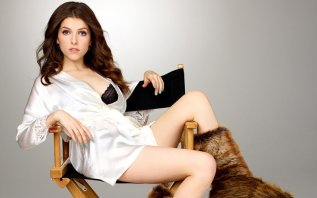Anna Kendrick Has a Lot of Feelings About Taco Bell and Sexy Bakeries